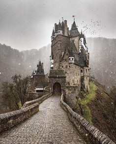 Must be a reason why I'm king of my castle Eltz Castle in Germany by @ilhan1077 Discover the most hidden places on our travel map!