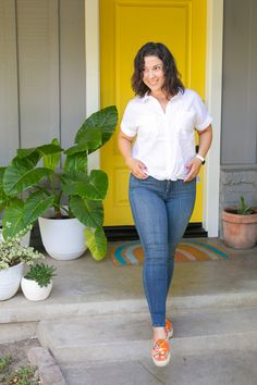 Love these stretchy high waist jeans from NYDJ! Perfect paired with their crisp camp shirt. #ad #NYDJStyle Mom Outfits, Jean Outfits, Evening Outfits, Going To Work, High Waist Jeans, Crisp, Skinny Jeans, Comfy, Pants