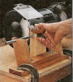 Sharpening with a Grinding Jig and Buffers - Sharpening Tips, Jigs and Techniques | WoodArchivist.com