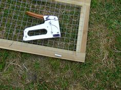 Fixing the netting to the frame