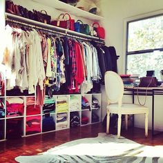 Spare room turned closet dressing rooms cabina armadio, case artigianali, o Closet Office, Closet Bedroom, Master Bedroom, Closet Space, Closet Wall, Master Closet, Bedroom Decor, Extra Bedroom, Dream Bedroom