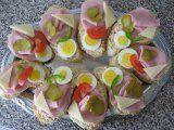 Pomazánka na chlebíčky aneb vlašák tak trochu jinak Czech Recipes, Ethnic Recipes, Appetizer Recipes, Appetizers, Sushi, Food And Drink, Menu, Eggs, Yummy Food