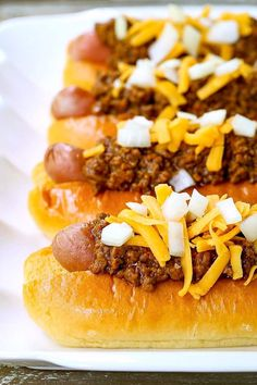 This Hot Dog Chili Recipe is perfect for making chili dogs or eating as is for a low carb dinner! Bratwurst Recipes, Sausage Recipes, Chili Recipes, Cooking Recipes, Lamb Recipes, Dog Recipes, Meatloaf Recipes, Sandwich Recipes, Fiestas