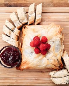 Gooey Baked Brie In Phyllo Dough