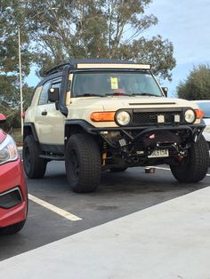 FJ Cruiser, metal tech bumper, warn winch, Jmax snorkel, rough country lights, old man emu lift. FJC
