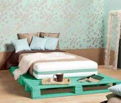 lit en palettes de couleur verte