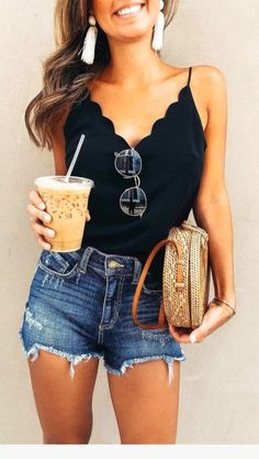 Shorts Outfit Ideas Pictures womens fashion outfit ideas 2019 black top with denim Shorts Outfit Ideas. Here is Shorts Outfit Ideas Pictures for you. Shorts Outfit Ideas shorts outfit ideas for spring and summer on stylevore. Trendy Summer Outfits, Summer Fashion Trends, Spring Summer Fashion, Casual Outfits, Fashion Ideas, Casual Shorts, Summer Clothes For Women, Style Summer, Spring Break