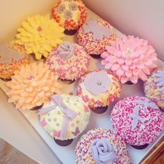 Vanilla cream cheese cupcakes Cupcake#cupcake art#pretty#