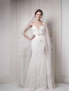 Ersa Wedding Houte Couture 2013. I wouldn't mind something like this...