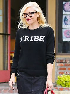 Star Tracks: Tuesday, July 15, 2014 | TRIBE LEADER | The Voice coach Gwen Stefani looks book-smart while heading to an acupuncturist in Los Angeles on Monday.
