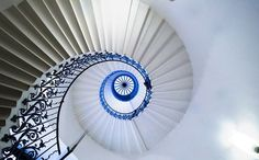 The elegant Tulip Stairs in the Queen's House are the first geometric self-supporting spiral stairs in Britain.