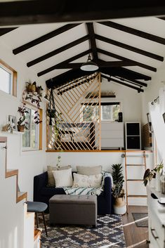 A Tiny House on Maui Surrounded by Pasture Land – Design*SpongeYou can find Tiny houses and more on our website.A Tiny House on Maui Surrounded by Pasture Land – Design*Sponge Off Grid Tiny House, Best Tiny House, Modern Tiny House, Tiny House Plans, Tiny House Design, Tiny House On Wheels, Wooden House Design, Small Home Design, Wall Design
