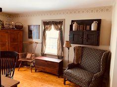 Primitive Living Room, Primitive Country, Primitive Decor, Country Living, Country Decor, Sunroom Decorating, Poodles, Cupboards, Primitives