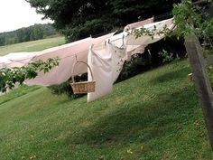 laundry line, southern wind.i want a clothes line! Country Life, Country Living, Country Charm, Country Roads, Country Farmhouse, Modern Farmhouse, Lifestyle Fotografie, Down On The Farm, Summer Breeze