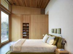 Moderne Haus - gemütliches Schlafzimmer mit zeitgenössischen grün Bett
