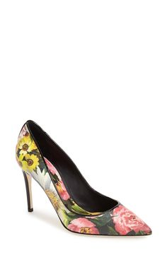 Swooning over these pretty peony print pumps.