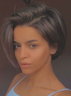 Find here gorgeous ideas of low maintenance short haircuts worn by the most beautiful female celebs around the world. You will really get bold short hair look with these trendy ideas in 2020. Cool Short Hairstyles, Short Hair Styles Easy, Short Hair Cuts For Women, Short Hair Hacks, Fall Hairstyles, Beautiful Hairstyles, Short Haircuts, Shot Hair Styles, Synthetic Hair Extensions