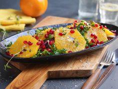 Salat med appelsin og grønnkål Frisk, Bruschetta, Salads, Dinner, Ethnic Recipes, Food, Dining, Food Dinners, Essen