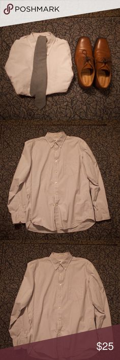 J.Crew Tailored Fit Button Down NWOT. Never worn slim/tailored J.Crew button down. Goes really well with the gray slim tie, which is also available in my closet. Very comfortable and sharp. J. Crew Shirts Dress Shirts