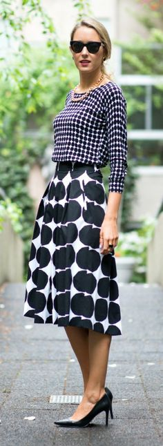The Classy Cubicle - banana republic x marimekko Hannah Republic Work Fashion, Fashion Top, Style Fashion, Midi Flare Skirt, Work Chic, Black White, Marimekko, Pattern Mixing, Classy And Fabulous