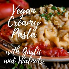 Discover our recipe for a delicious vegan creamy pasta. Find out this and many more in our app! Creamy Vegan Pasta, Garlic Pasta, Macaroni And Cheese, App, Chicken, Cooking, Ethnic Recipes, Food, Garlic Noodles