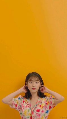 Korean Girl, Asian Girl, Chungking Express, E Sport, Wallpaper Space, Blackpink And Bts, Iu Fashion, Pretty Wallpapers, Korean Celebrities