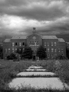 Dark Skies - Photo of the Abandoned Pilgrim State Hospital, Long Island , NY Abandoned Prisons, Abandoned Mansions, Abandoned Buildings, Abandoned Places, Spooky Places, Haunted Places, Pilgrim State Hospital, Haunted Asylums, Haunted Houses
