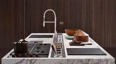 Discover more about Design Concept Living Everyday and design the kitchen of you dreams! Paper Recycling Process, Max Alto, Calacatta Gold Marble, Italian Home, Closet System, Stainless Steel Sinks, Folding Doors, Cuisines Design, Working Area
