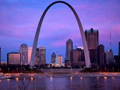 The town of St. Louis, Missouri has its origin in its name. What this means is that the beautiful city of St. Louis was named after King Louis IX of France. It was King Louis IX that was the only. Saint Louis Arch, St Louis, Saint Luis, Missouri Arch, Great American Road Trip, Gateway Arch, Romantic Things To Do, One World Trade Center, Famous Places