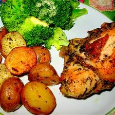 Crispy Rosemary Chicken and Fries l A simple one pan meal that's in ...