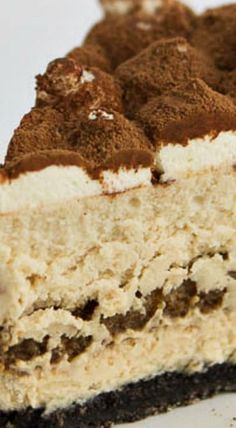 Tiramisu Cheesecake ~ If you love coffee and cheesecake, this is one you really need to try... The combination of flavors and textures are absolutely divine