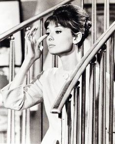 Audrey Hepburn photographed on the set of Paris When it Sizzles, 1964 Audrey Hepburn Born, Audrey Hepburn Photos, Divas, Classic Hollywood, Old Hollywood, Classic Beauty, Role Models, Just In Case, Movie Stars