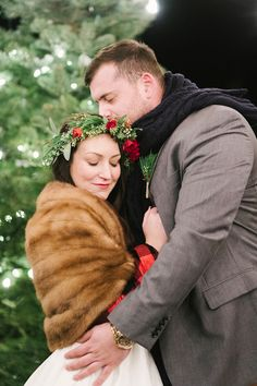 wedding inspiration - photo by Alicia King Photography http://ruffledblog.com/christmas-tree-farm-wedding-inspiration-with-tradition