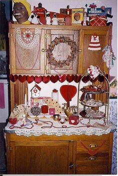 Hoosier Cabinet (this is identical to the one Scott got me for Christmas this year..my fave gift ever I think)