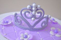 How To Make Princess Tiara from Gumpaste Cake Pops, Barbie, Cupcakes, Princess Tiara, Cake Pictures, Gum Paste, Cake Toppers, Make It Simple, Activities For Kids