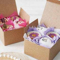 Bath time gift box, bath melts and bath bombs £8