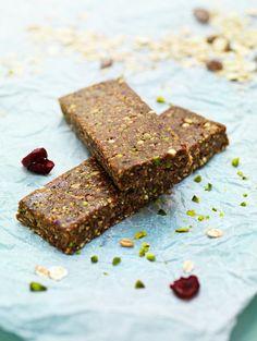 Dattel-Nuss-Riegel - smarter - Kalorien: 93 Kcal - Zeit: 20 Min. | eatsmarter.de