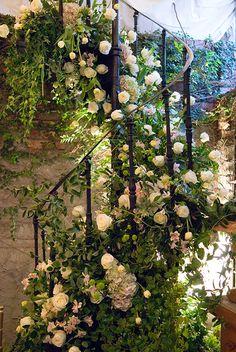 Relais  Chateaux - inspiration pour habiller une rampe d'escalier, un poteau, un mur...