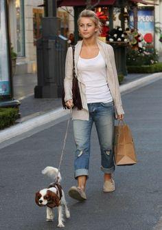 Lazy Sunday: Rich & Skinny Stretch Boyfriend Jeans in Footloose & Sanuk Donna in Cream.