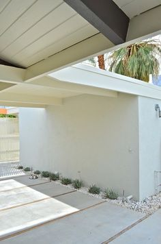 Architecture, Interiors and Landscaping Ideas for the Complete Restoration of a Mid Century Modern Home in Palm Springs