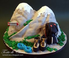 cake designs for mountaineers Fondant Cakes, Cupcake Cakes, Rock Climbing Cake, Mountain Cake, Camping Cakes, Dad Cake, Sport Cakes, Novelty Cakes, Fancy Cakes
