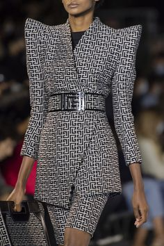 Spring Fashion Trends, Fashion Week, Spring Summer Fashion, High Fashion, Fashion Show, Autumn Fashion, Classy Business Outfits, Business Fashion, Classy Outfits