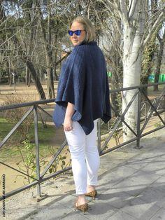 Jersey Poncho Oxygene  & Jeans Blanco Violeta By Mango.LOOKS CASUALS. www.loslooksdemiarmario-com#loslooksdemiarmario #winter #outfitcurvy #invierno #look #lookcasual #lookschic #tallagrande #curvy #plussize #curve #fashion #blogger #madrid #bloggercurvy #personalshopper #curvygirl #oxygene #lookinvierno #lookjeans #violetabymango #poncho #azulmarino #jeanblanco #chic #blanco #blancoyazulmarino #horoscopo2016
