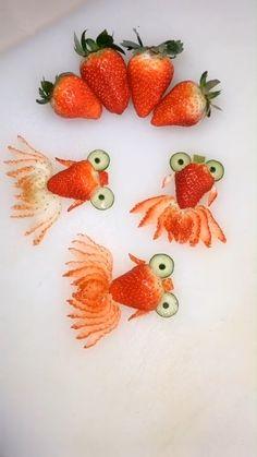 diy Food for kids - Food Stylist - DIY Strawberry Goldfish Cute Food, Good Food, Yummy Food, Food Crafts, Diy Food, Food Design, Amazing Food Art, Food Art For Kids, Food Decoration