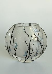 Glass vase by Mary-Melinda Wellsandt. American Made. See the artist's work at…