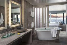 Inn Above Tide, a luxury Sausalito hotel on the San Francisco Bay- PANORAMA SUITE