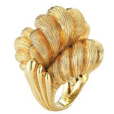 1980s Henry Dunay textured Gold Knot Ring