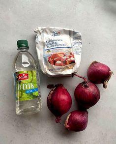 Heimelaga sylta rødløk - raskt og enkelt! - LINDASTUHAUG Aioli, Iftar, Food And Drink, Baking, Vegetables, Dressing, Bakken, Vegetable Recipes, Backen