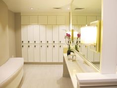 Come relax in our women's locker room-- fully equipped with a steamroom, infrared sauna and showers. #lorenaluca