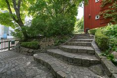 trappa i trädgården